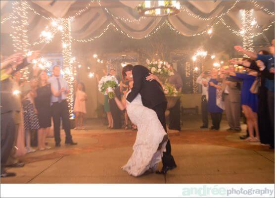 wedding-photos-andrea-dustin_0026-556x400 Andrea and Dustin {Married} - Sneak Peek | Mobile Alabama Wedding Photographer Business Wedding