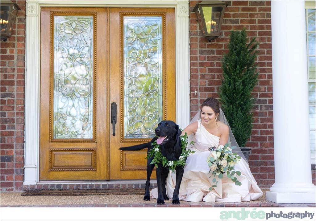 peyton-outdoors-oak-trees-black-lab-dog-bridal-session_0003