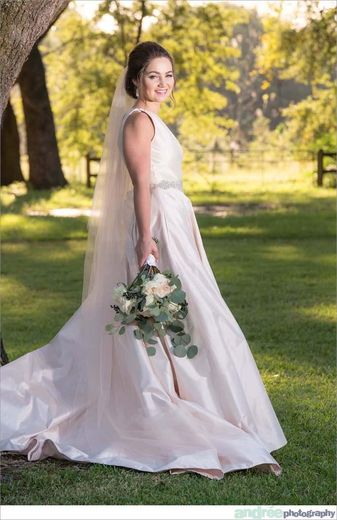 peyton-outdoors-oak-trees-black-lab-dog-bridal-session_0032 Peyton {Bridal Session} | Private Residence | Mobile, AL Bridal Wedding