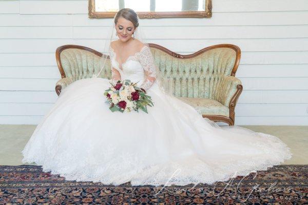 bridal-photos-outdoors-oaks-bragg-mitchell-mansion-makaela_0023-600x400 Makaela {Bridal Session} | Bragg-Mitchell Mansion | Mobile AL Bridal Photographer Wedding