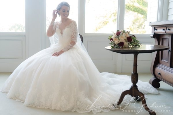 bridal-photos-outdoors-oaks-bragg-mitchell-mansion-makaela_0025-600x400 Makaela {Bridal Session} | Bragg-Mitchell Mansion | Mobile AL Bridal Photographer Wedding