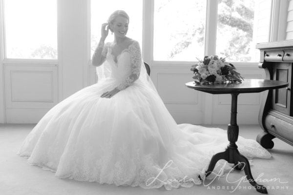 bridal-photos-outdoors-oaks-bragg-mitchell-mansion-makaela_0026-600x400 Makaela {Bridal Session} | Bragg-Mitchell Mansion | Mobile AL Bridal Photographer Wedding