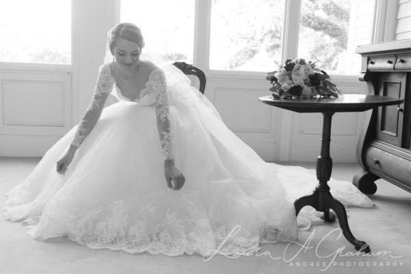 bridal-photos-outdoors-oaks-bragg-mitchell-mansion-makaela_0027-600x400 Makaela {Bridal Session} | Bragg-Mitchell Mansion | Mobile AL Bridal Photographer Wedding