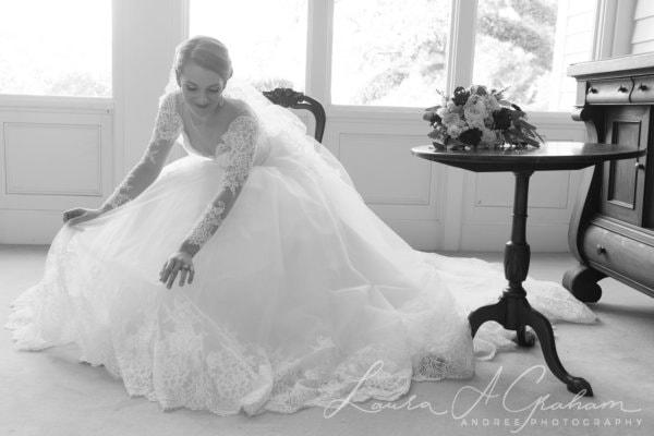bridal-photos-outdoors-oaks-bragg-mitchell-mansion-makaela_0028-600x400 Makaela {Bridal Session} | Bragg-Mitchell Mansion | Mobile AL Bridal Photographer Wedding
