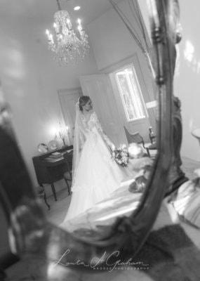 bridal-photos-outdoors-oaks-bragg-mitchell-mansion-makaela_0036-285x400 Makaela {Bridal Session} | Bragg-Mitchell Mansion | Mobile AL Bridal Photographer Wedding