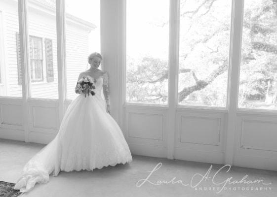 bridal-photos-outdoors-oaks-bragg-mitchell-mansion-makaela_0039-561x400 Makaela {Bridal Session} | Bragg-Mitchell Mansion | Mobile AL Bridal Photographer Wedding