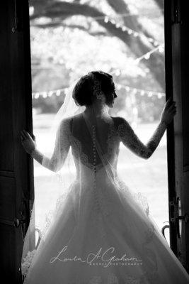 bridal-photos-outdoors-oaks-bragg-mitchell-mansion-makaela_0046-267x400 Makaela {Bridal Session} | Bragg-Mitchell Mansion | Mobile AL Bridal Photographer Wedding