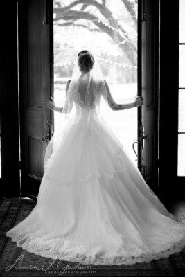 bridal-photos-outdoors-oaks-bragg-mitchell-mansion-makaela_0047-267x400 Makaela {Bridal Session} | Bragg-Mitchell Mansion | Mobile AL Bridal Photographer Wedding