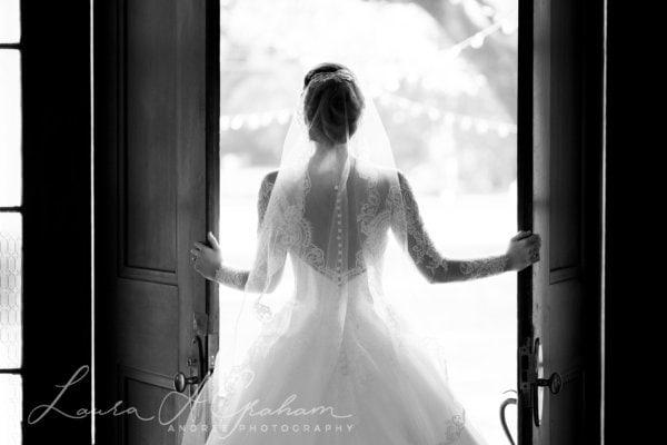 bridal-photos-outdoors-oaks-bragg-mitchell-mansion-makaela_0049-600x400 Makaela {Bridal Session} | Bragg-Mitchell Mansion | Mobile AL Bridal Photographer Wedding