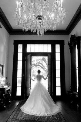 bridal-photos-outdoors-oaks-bragg-mitchell-mansion-makaela_0052-267x400 Makaela {Bridal Session} | Bragg-Mitchell Mansion | Mobile AL Bridal Photographer Wedding