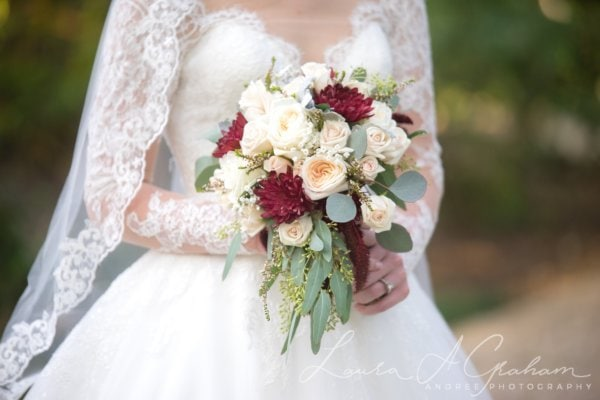 bridal-photos-outdoors-oaks-bragg-mitchell-mansion-makaela_0055-600x400 Makaela {Bridal Session} | Bragg-Mitchell Mansion | Mobile AL Bridal Photographer Wedding