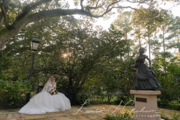bridal-photos-outdoors-oaks-bragg-mitchell-mansion-makaela_0057-600x400 Makaela {Bridal Session} | Bragg-Mitchell Mansion | Mobile AL Bridal Photographer Wedding