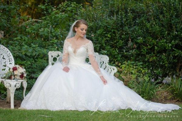 bridal-photos-outdoors-oaks-bragg-mitchell-mansion-makaela_0065-600x400 Makaela {Bridal Session} | Bragg-Mitchell Mansion | Mobile AL Bridal Photographer Wedding