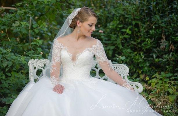 bridal-photos-outdoors-oaks-bragg-mitchell-mansion-makaela_0066-613x400 Makaela {Bridal Session} | Bragg-Mitchell Mansion | Mobile AL Bridal Photographer Wedding