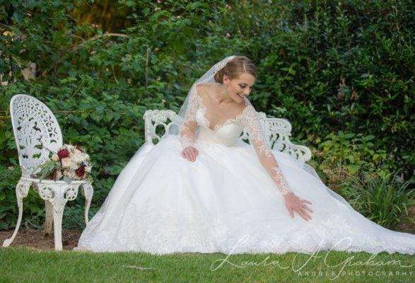 bridal-photos-outdoors-oaks-bragg-mitchell-mansion-makaela_0067-587x400 Makaela {Bridal Session} | Bragg-Mitchell Mansion | Mobile AL Bridal Photographer Wedding