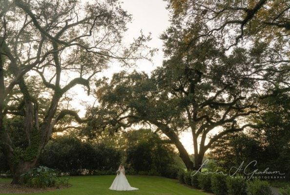 bridal-photos-outdoors-oaks-bragg-mitchell-mansion-makaela_0073-594x400 Makaela {Bridal Session} | Bragg-Mitchell Mansion | Mobile AL Bridal Photographer Wedding