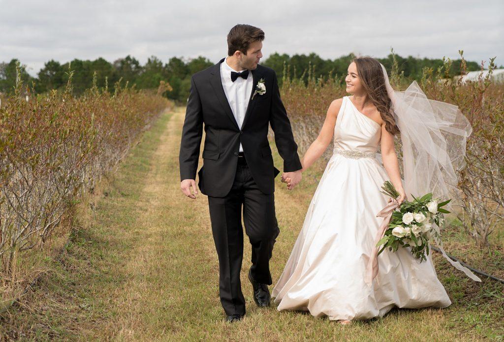 glam-outdoors-rustic-weeks-bay-plantation-fairhope-alabama-peyton-addison-wedding_0018-1024x695 Peyton and Addison {Married} | Weeks Bay Plantation | Fairhope, AL Wedding