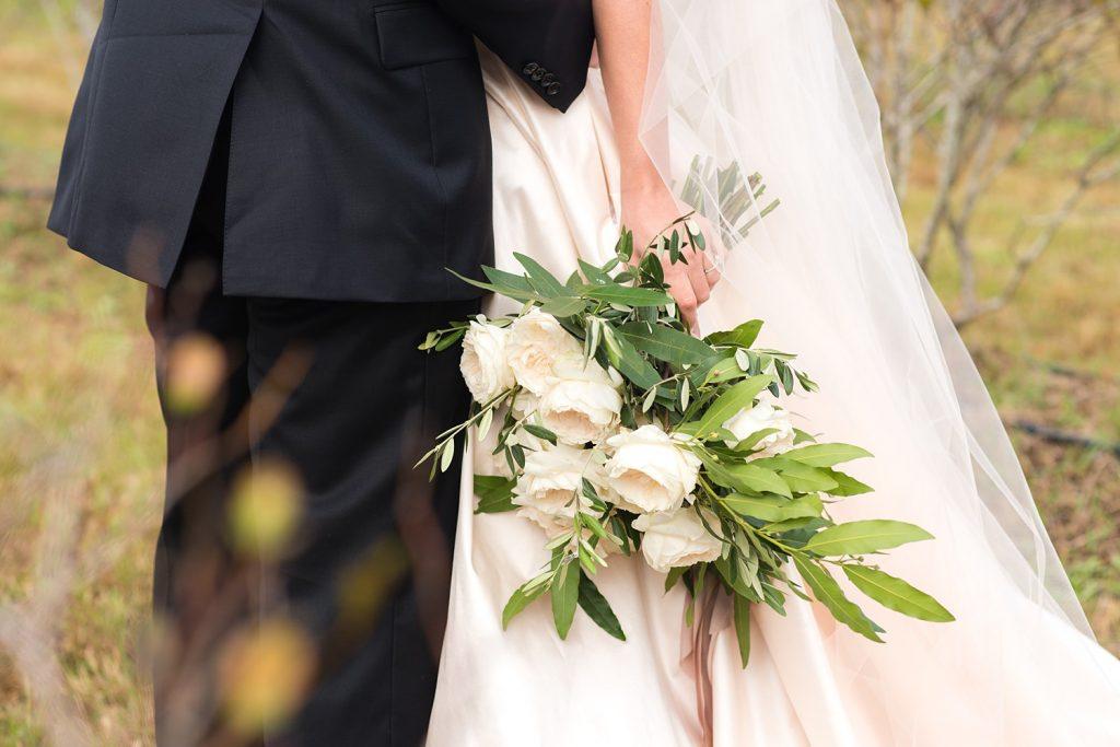 glam-outdoors-rustic-weeks-bay-plantation-fairhope-alabama-peyton-addison-wedding_0020-1024x683 Peyton and Addison {Married} | Weeks Bay Plantation | Fairhope, AL Wedding