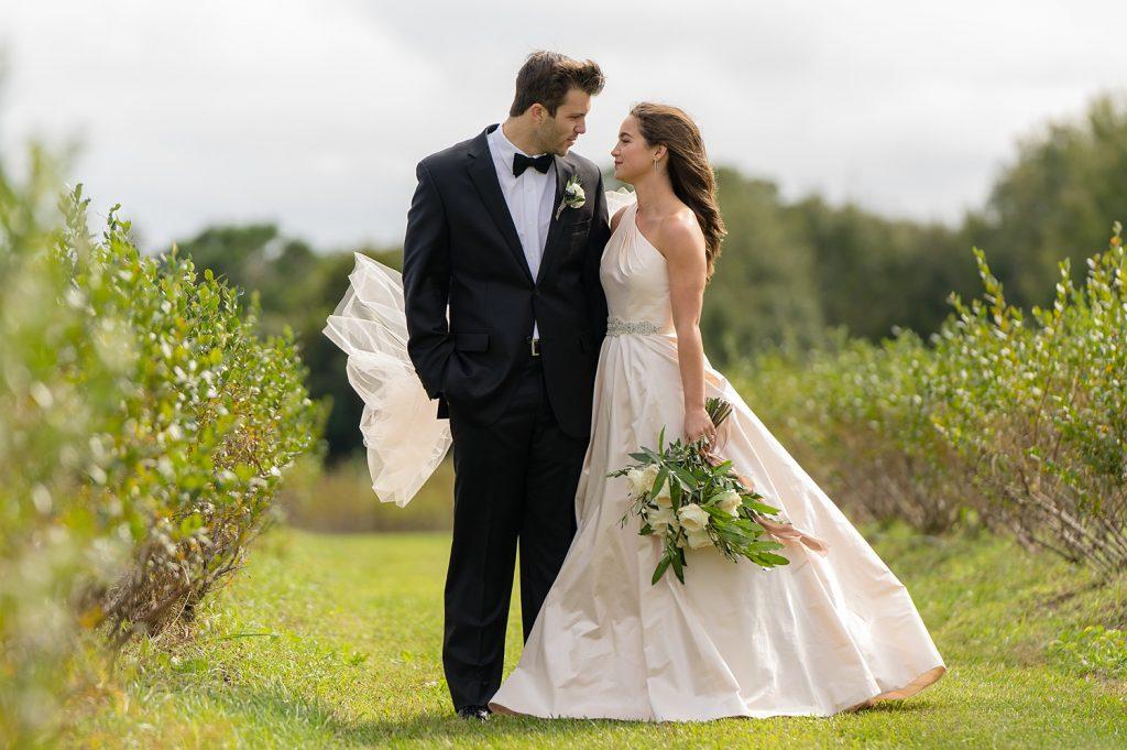 glam-outdoors-rustic-weeks-bay-plantation-fairhope-alabama-peyton-addison-wedding_0022-1024x681 Peyton and Addison {Married} | Weeks Bay Plantation | Fairhope, AL Wedding