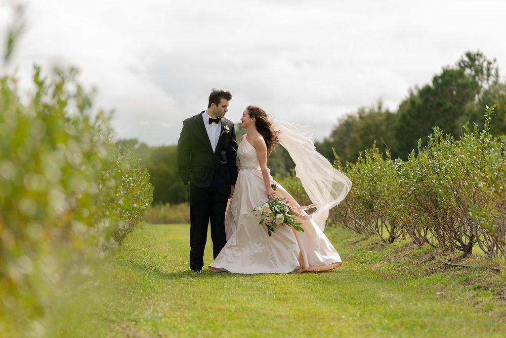 glam-outdoors-rustic-weeks-bay-plantation-fairhope-alabama-peyton-addison-wedding_0023-1024x683 Peyton and Addison {Married} | Weeks Bay Plantation | Fairhope, AL Wedding