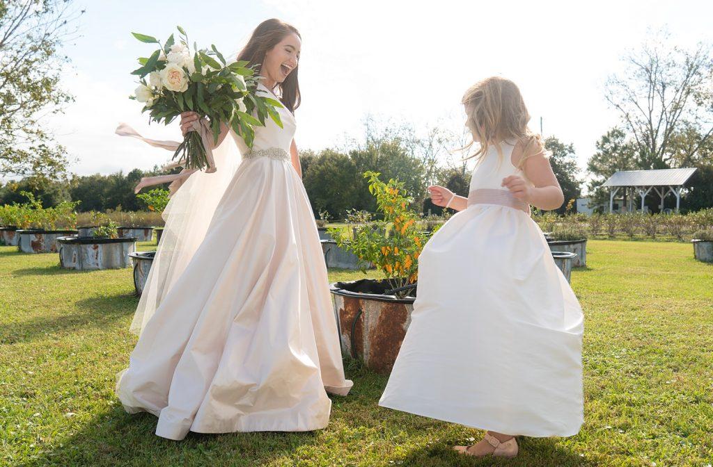 glam-outdoors-rustic-weeks-bay-plantation-fairhope-alabama-peyton-addison-wedding_0046-1024x672 Peyton and Addison {Married} | Weeks Bay Plantation | Fairhope, AL Wedding