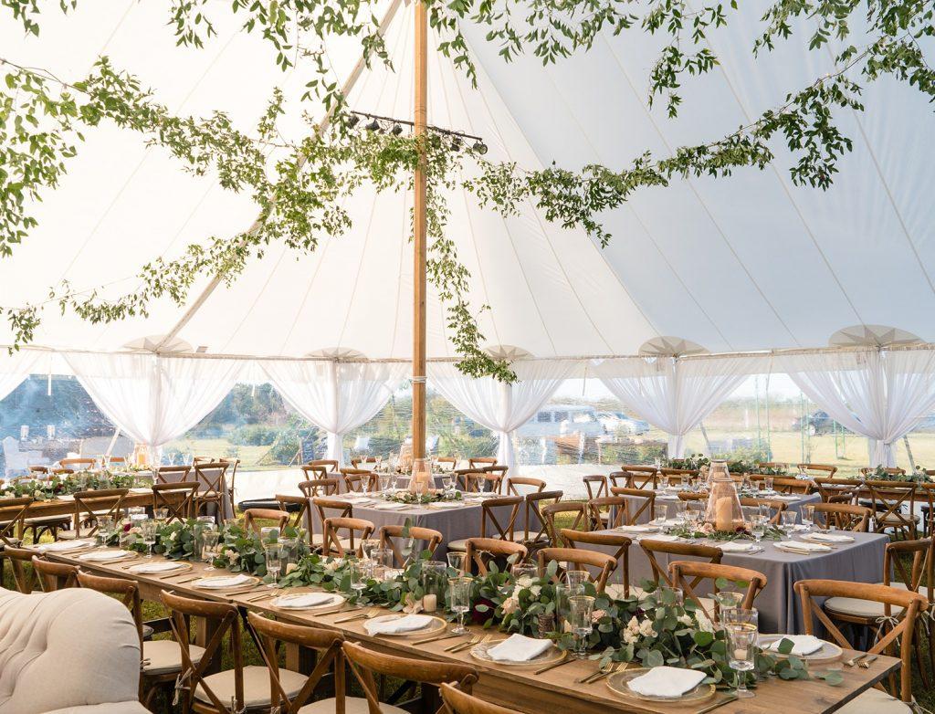 glam-outdoors-rustic-weeks-bay-plantation-fairhope-alabama-peyton-addison-wedding_0083-1024x782 Peyton and Addison {Married} | Weeks Bay Plantation | Fairhope, AL Wedding