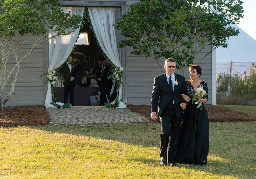 glam-outdoors-rustic-weeks-bay-plantation-fairhope-alabama-peyton-addison-wedding_0113-1024x715 Peyton and Addison {Married} | Weeks Bay Plantation | Fairhope, AL Wedding