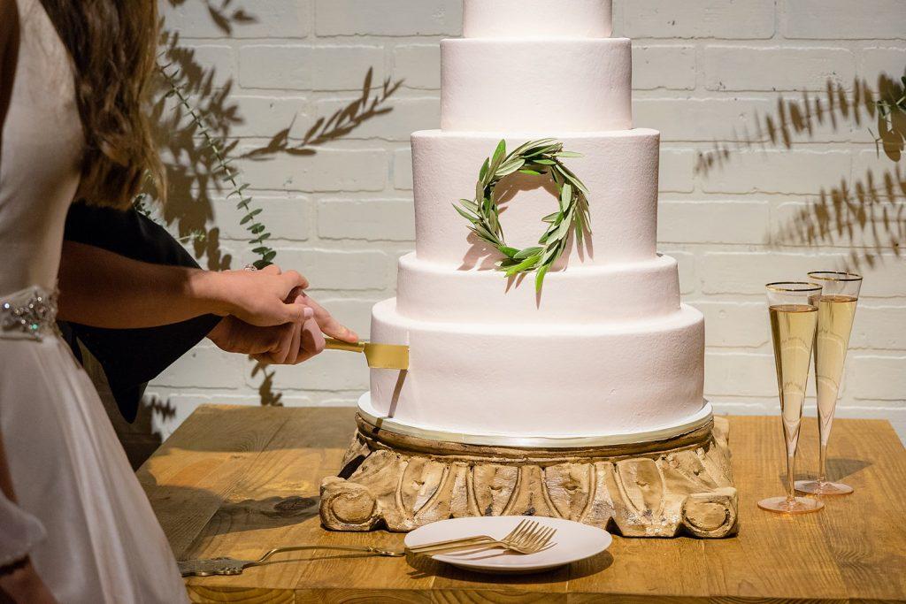 glam-outdoors-rustic-weeks-bay-plantation-fairhope-alabama-peyton-addison-wedding_0153-1024x683 Peyton and Addison {Married} | Weeks Bay Plantation | Fairhope, AL Wedding