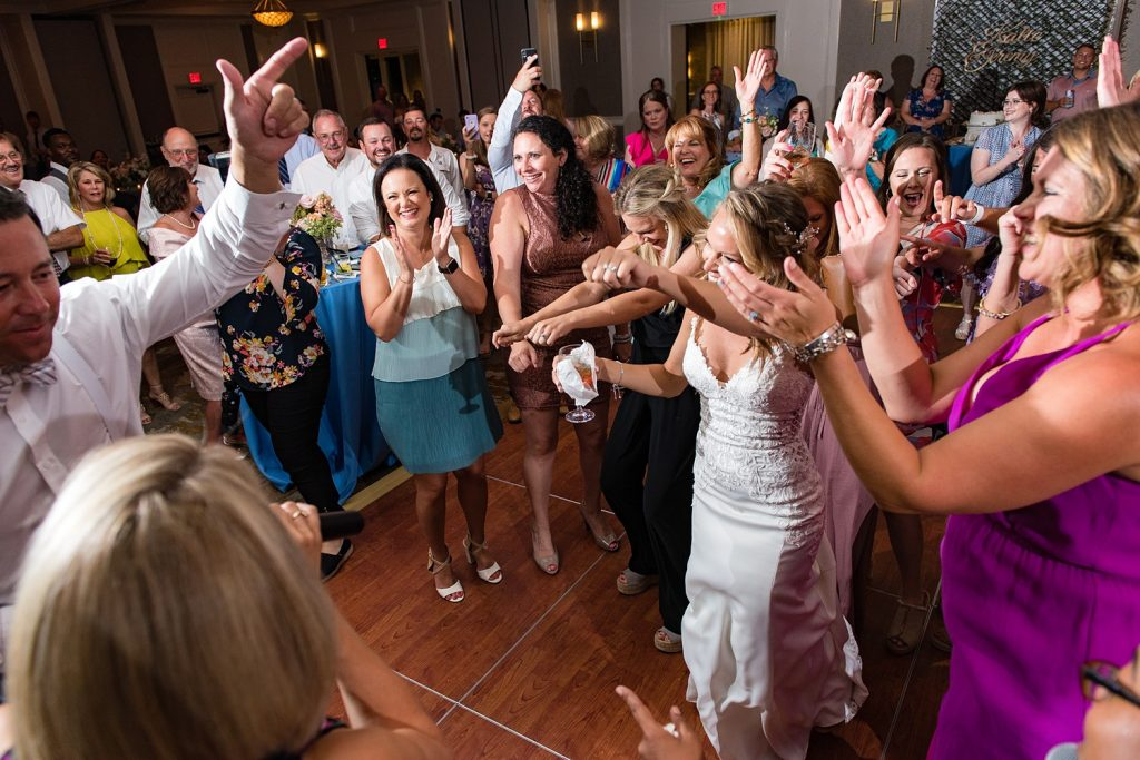 grand-hotel-point-clear-classic-southern-floral-bay-shore-katie-jeremy-wedding_0214-1024x683 Katie and Jeremy {Married} | The Grand Hotel Golf Resort & Spa - Autograph Collection | Point Clear, AL Wedding